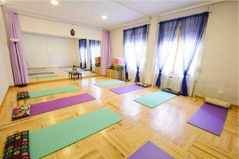 Foto de Alquiler de salas y despachos Centro Lua Terapias y Cursos de Crecimiento Personal Irene Couceiro S1 (1)